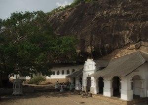 gerbang gua dambulla
