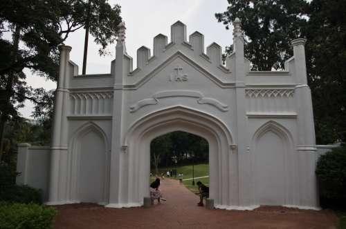 gerbang-fort-canning