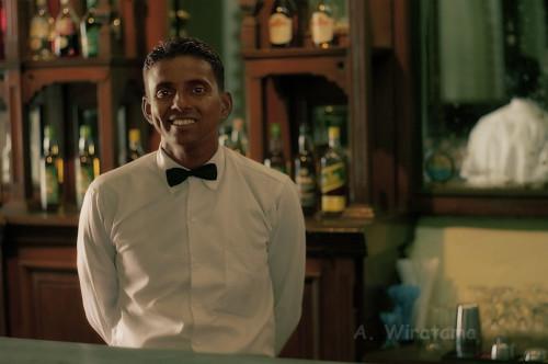 bartender queen hotel di kandy sri lanka
